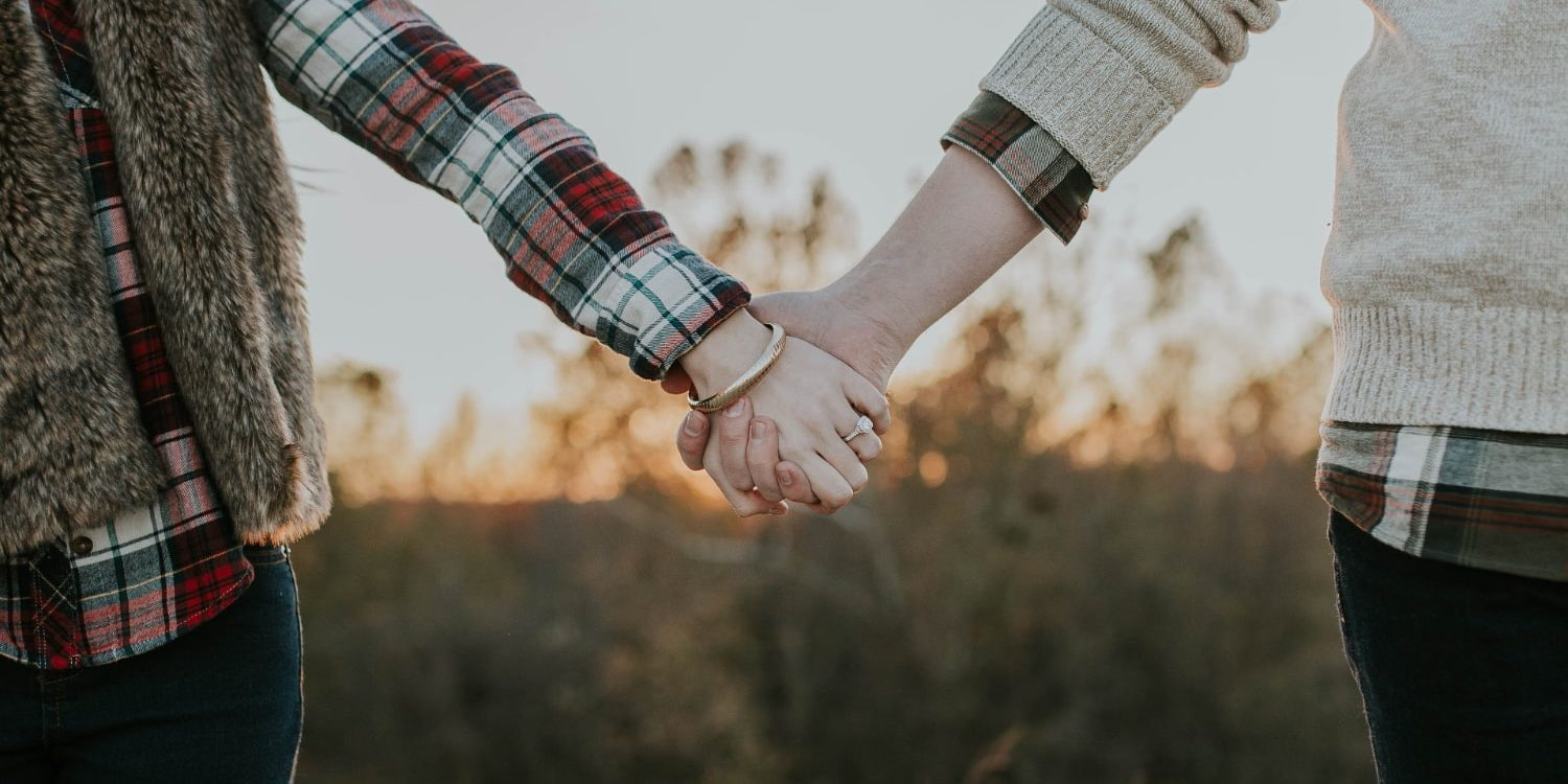 couple-holding-hands-after-therapy